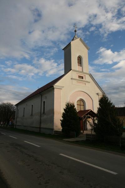 Biserica romano catolică din Crasna