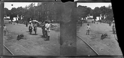 Rue avec bâtiment en construction, Afrique de l'Ouest #1555