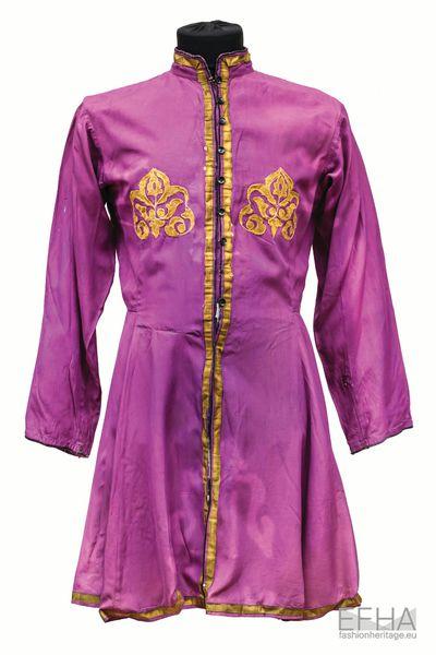 Georgian traditional dress Akhalukhi.