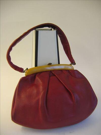 Handtas in rood leer