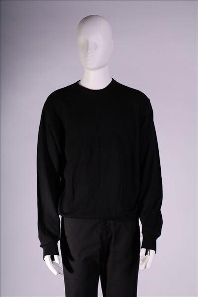 Trui in zwarte tricot met lange mouwen en ronde hals