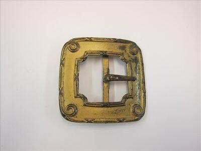 Goudkleurige, metalen, vierkante gesp voor ceintuur