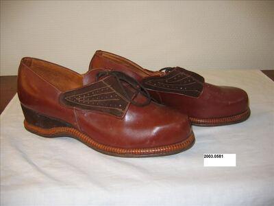 Schoenen in bruin leer met bruine suède afwerking