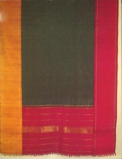 Les textiles de l'Inde : l'or, la laine et la soie, cotons et plumes de paon et les modèles d'Issey Miyake