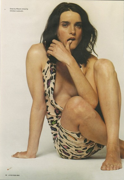 Archivio Missoni - Michele Hicks in a cotton Dress by Missoni