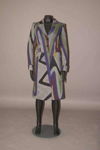 Cappotto in tessuto spigato di lana vergine, disegno