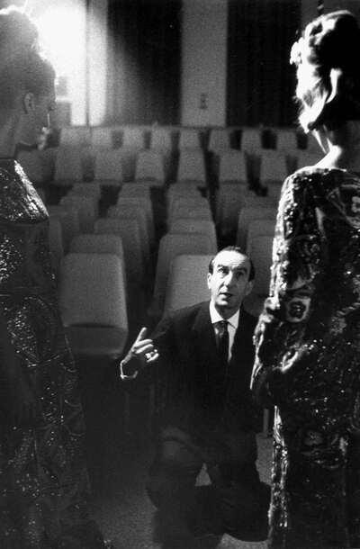 Marchese Emilio Pucci e due modelle.