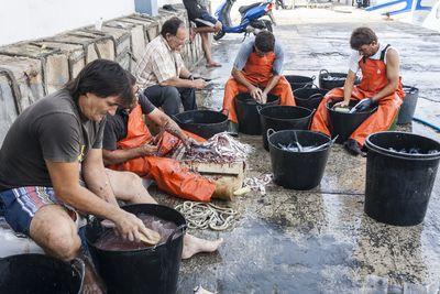 Proceso de limpiado de pescado