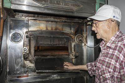Panadero y horno