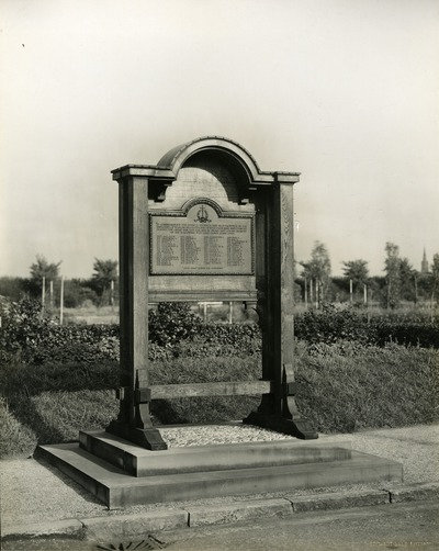 World War I memorial in Aintree