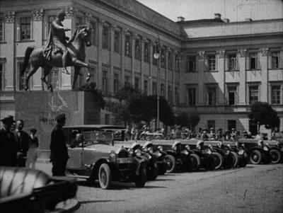 Inżynierowie Tański i Gabaud po powrocie z rajdu Paryż‒Warszawa