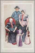 SPAKENBURG 1948. Verso: Familiegroep: De oude vrouw in ouderwetse klederdracht met hul. L. meisje, r. jongetje, beiden onder 6 jaar.