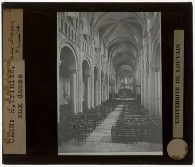Caen. Église Sainte-Trinité :Interieur: Zicht vanuit het middenschip op het chevet