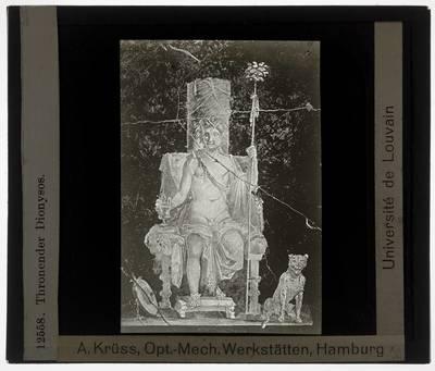 Pompei. Casa del Naviglio :Muurschildering van Dionysos op de troon