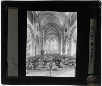 Zepperen. Kerk Sint-Genoveva :Interieur: Zicht vanuit het middenschip op het koor