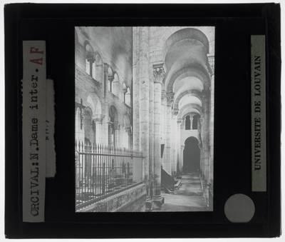 Orcival. Basilique Notre-Dame :Interieur: Zuidelijke zijbeuk
