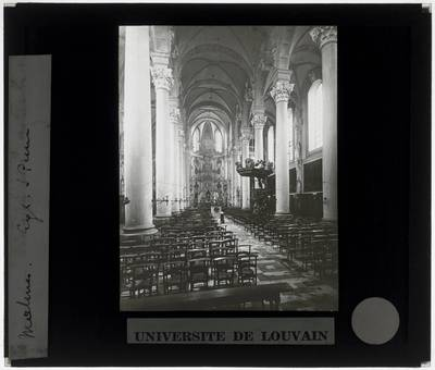 Mechelen. Kerk Sint-Pieter en Pauwel :Interieur: Zicht naar het koor vanuit het schip