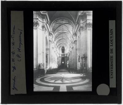 Gent. Kerk O.L. Vrouw en Sint-Pieter :Interieur: Middenbeuk