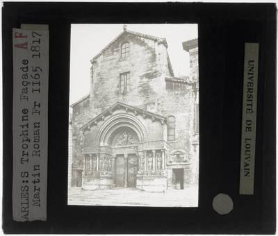 Arles. Cathédrale Saint-Trophime :Exterieur: Westelijke gevel