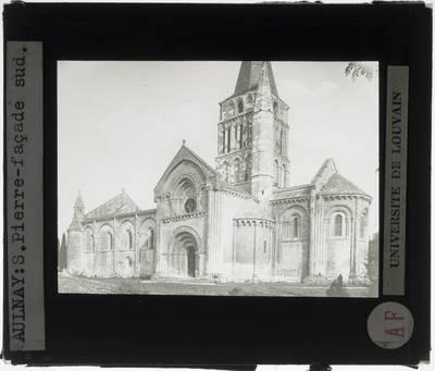 Aulnay. Église Saint-Pierre :Exterieur: Zuidelijke gevel