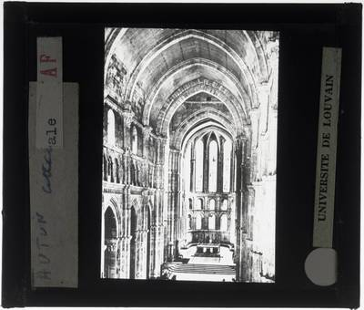Autun. Cathédrale Saint-Lazare :Interieur: Bovenaanzicht op het koor