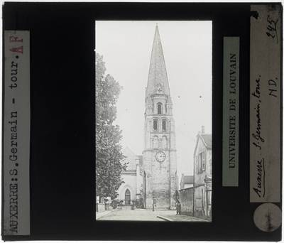 Auxerre. Abbaye Saint-Germain :Exterieur: Toren van de abdijkerk
