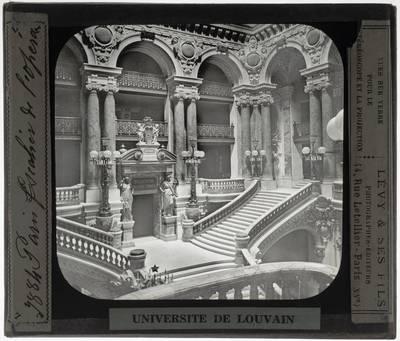 Paris. Opéra Garnier :Interieur: Grote trappen