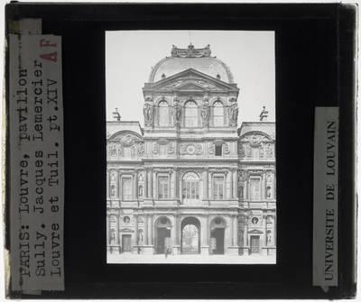 Paris. Palais du Louvre :Exterieur: Pavillon de l'Horloge