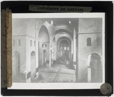 Périgueux. Cathédrale Saint-Front :Interieur: Middenschip naar het koor