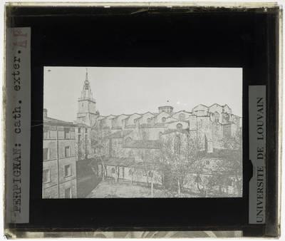 Perpignan. Cathédrale Saint-Jean-Baptiste :Exterieur: Zicht op de noordelijke gevel
