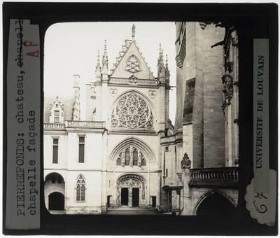 Pierrefonds. Château de Pierrefonds :Exterieur: Westelijke gevel van de kapel