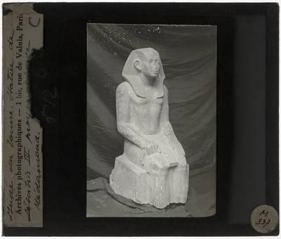 Medamud. Tempel van MontuStandbeeld van een jonge Sesostris III