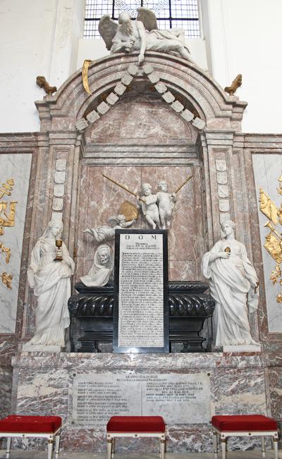 Grafmonument voor de overleden abten