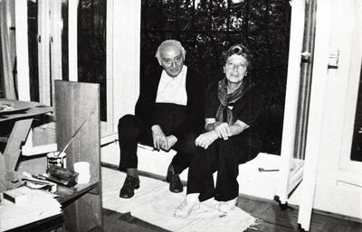 Vas István és Szántó Piroska ablakban