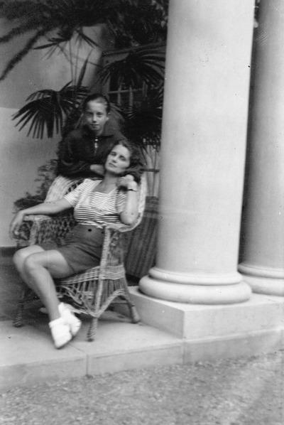Radákovich Mária és fia, Papp Oszkár (Japi)