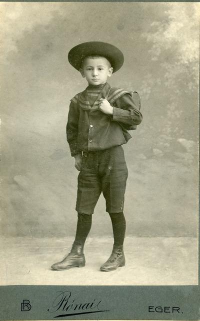 Remenyik László 6 éves korában
