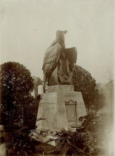 A Petőfi család síremléke a Kerepesi temetőben