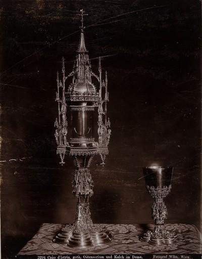 3294 Capo d'Istria, goth. Ostensorium und Kelch im Dome