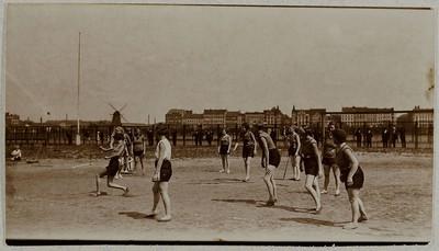Schlagballspiel der Damen, im Schlagmal
