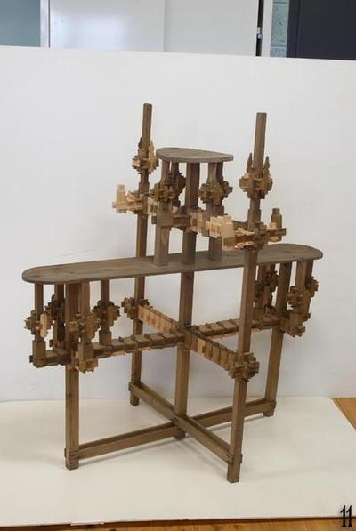 Flower table with gypsy locks