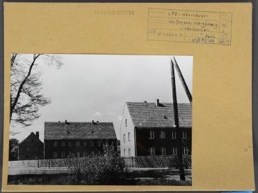 LPG und Wohnhäuser. Berlin, Weißensee, OT Wartenberg, Lindenberger Straße