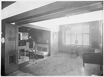 Haus Dr. Gustav und Helene Scheu, Wien XIII., Larochegasse 3, Kaminnische im Wohnzimmer