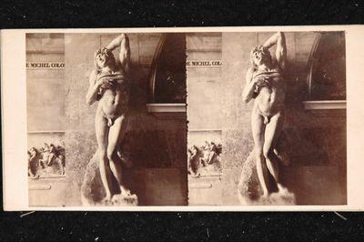 Paris; Louvre: Statue