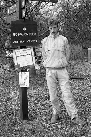 Westenschouwen. Boswachterij. Jan Guiljam uit Wemeldinge. Winnaar van de Pannenkoekloop, die voor de 17e keer werd gehouden in de Boswachterij. Er waren 295 deelnemers aan de 15 kilometer lange loop.