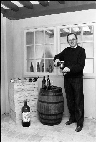 Zierikzee. Havenplein. Wijnhandelaar Van Meeteren.
