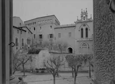 Filles de Sant Josep. Façana principal