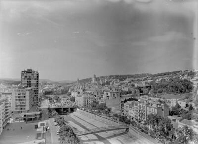 Joan Serra Mustich. Passeig General Mendoza 7-10 pis