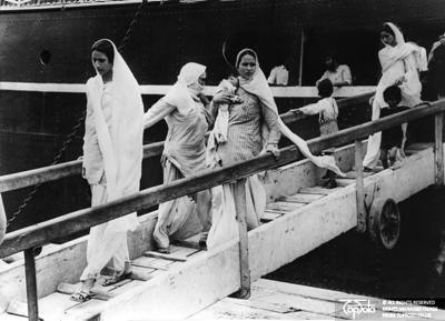 Indian refugees flee Pakistan