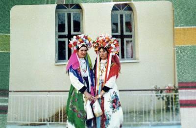 Φωτογραφίες Λαζαρίνων από άλμπουμ της Βασιλικής Ζουρνατζή.