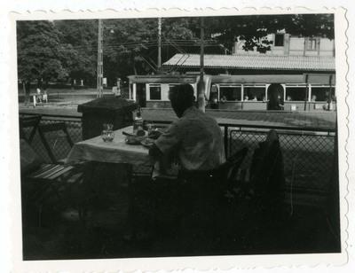 Ebéd egy étterem teraszán / Having a lunch on the terrace of a restaurant